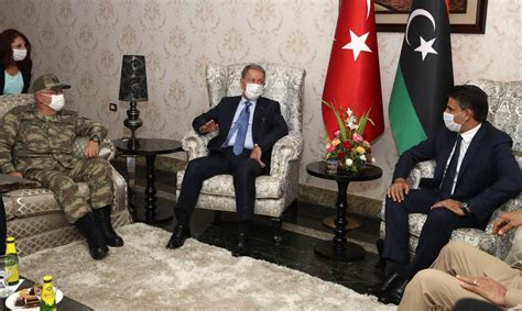 Turkish defence minister, military chief visit Libya