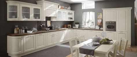 cucina pratica elegante  funzionale  dettagli raffinati