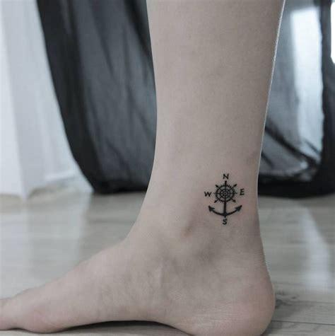 beste ideeen  small compass tattoo op pinterest