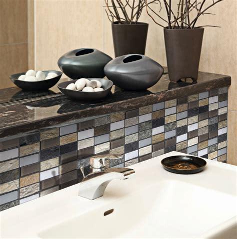 carrelage noir cuisine mosaique marron beige blanc verre métal marbre 30x30
