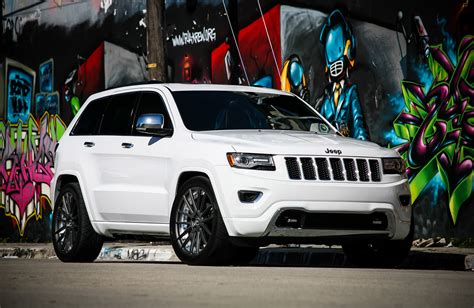 lowered jeep grand cherokee customized jeep grand cherokee exclusive motoring