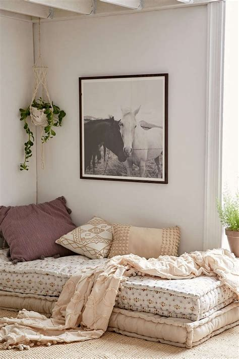 daybed ideas  pinterest pallet daybed daybed