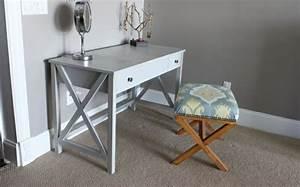 Kleiner Schreibtisch Mit Viel Stauraum : kleiner schreibtisch kompakt und sch n ~ Indierocktalk.com Haus und Dekorationen