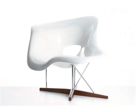 chaise vitra eames eames la chaise hivemodern com