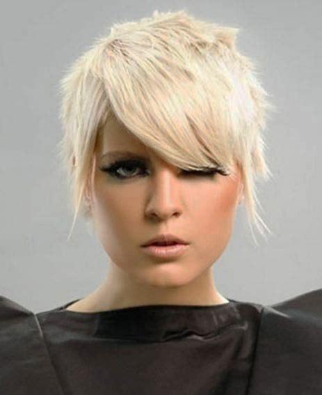 trend model rambut pendek wanita  trends gaya rambut