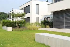 geradliniger privatgarten in gutersloh pennekamp With französischer balkon mit jobs garten landschaftsbau