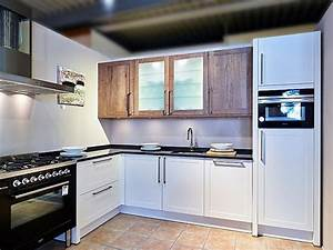 Küchen Ohne Geräte L Form : sch ller musterk che moderne landhausk che in l form ~ Michelbontemps.com Haus und Dekorationen