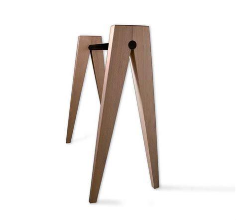 bureau ikea noir et blanc 39 idées déco de tréteaux pour créer une table ou un bureau