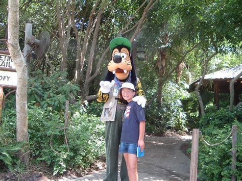 goofy camp minnie  mickey animal kingdom vacation