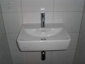 Steckdosen Für Badezimmer : treppe sanit re objekte und viele steckdosen abdeckungen ~ Lizthompson.info Haus und Dekorationen