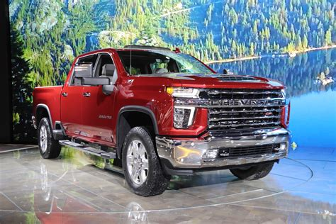 silverado hd high country detailed photo gallery