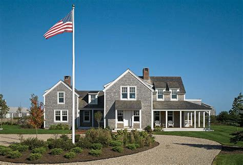 creating a traditional nantucket house house
