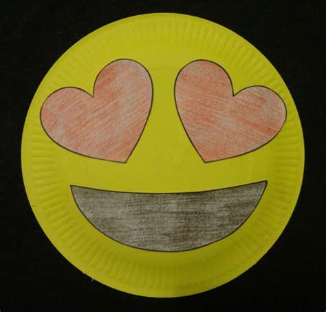 emoij paper plate craft