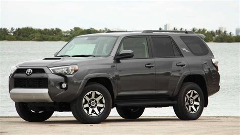 toyota  forerunner review ratings specs review
