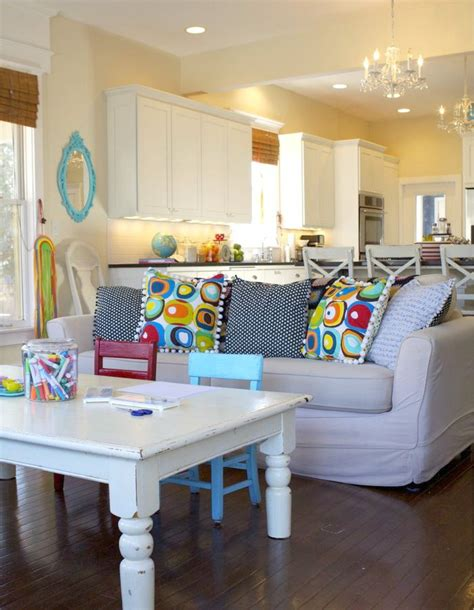 13 Kidfriendly Living Room Ideas To Manage The Chaos
