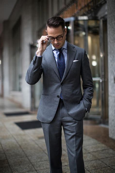 business  classic charcoal grey suit  spoke style