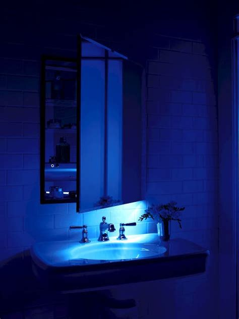 Robern Medicine Cabinet Lights by Robern M Series Mirrored Cabinet With An Integrated Led