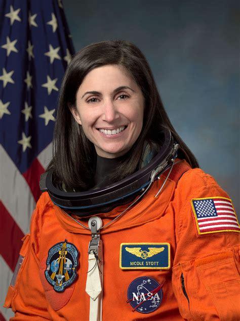 Nicole Stott Wikipedia