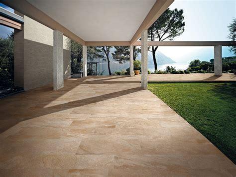 Fliesen Im Aussenbereich Anforderungen by Balkonfliesen Terrassenplatten Fliesen Au 223 Enbereich