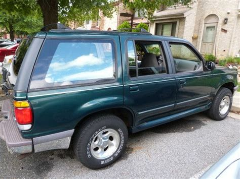 1995 Ford Explorer Xlt by Sell Used 1995 Ford Explorer Xlt Sport Utility 4 Door 4 0l