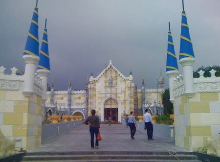 wisata indonesiaku wisata  berastagi