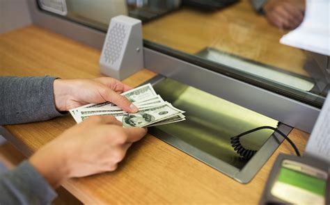 withdraw money   atm card