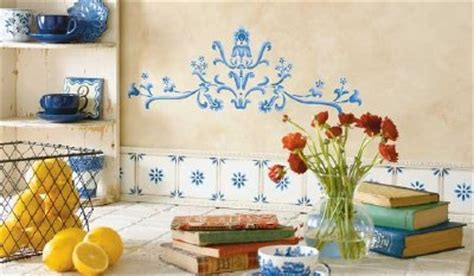 How to Stencil a French Country Kitchen   HowStuffWorks