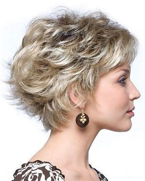 20+ Awesome Short Layered Hairstyles Ideas FULLFITWEAR #