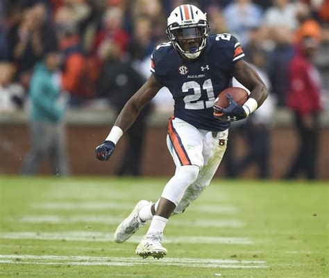 kerryon johnson    decision track em tigers