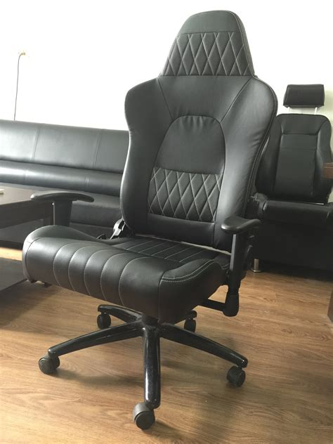 Desk Chair With Wheels by Modern Black Ergonomic Swivel Office Chair With Wheels