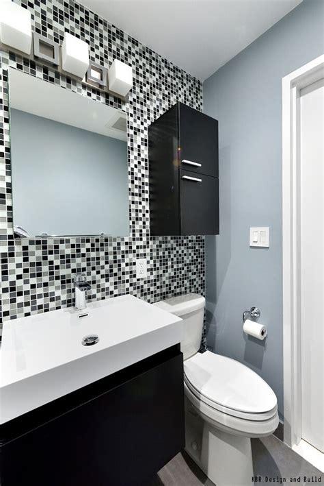 decorate  bathroom  black white
