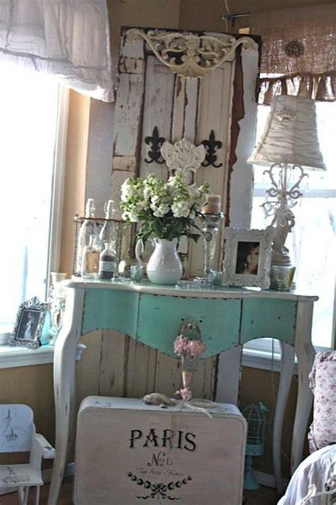 alte schlittschuhe dekorieren 1001 ideen f 252 r alte t 252 ren dekorieren deko zum erstaunen