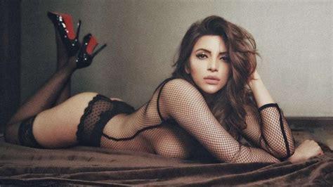 Pics Sexaholic Actress Shama Sikander Drops Jaws In