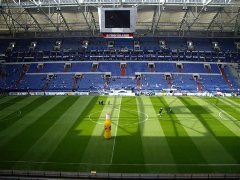 Both parties have agreed to keep the details of the transfer undisclosed. Arena Auf Schalke Foto & Bild | landschaft, natur Bilder auf fotocommunity