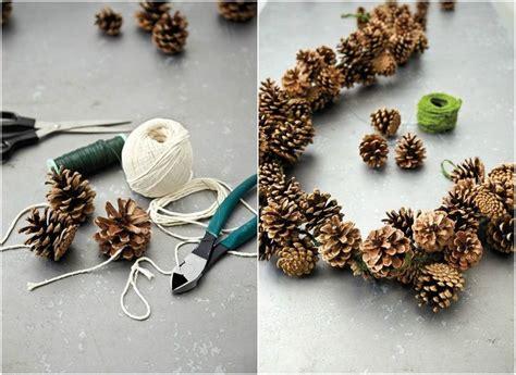 basteln mit naturmaterialien weihnachten 25 einzigartige tannenzapfen girlande ideen auf tannenzapfen ornamente rustikale