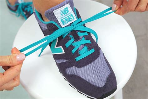 tie  shoelace   seconds tips hacks