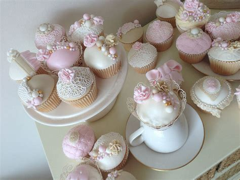 vintage inspired pink cupcakes pictures