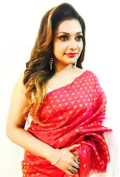 Rimi Tomy Age, Height, Weight, Family, Husband ...