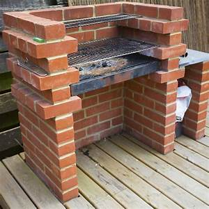 comment construire un barbecue en brique barbecue en With barbecue de jardin en brique