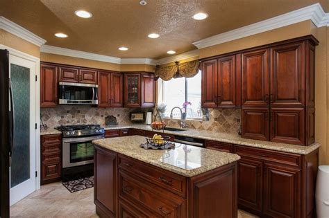 pics of painted kitchen cabinets 25 best ideas about granite counters on 7433