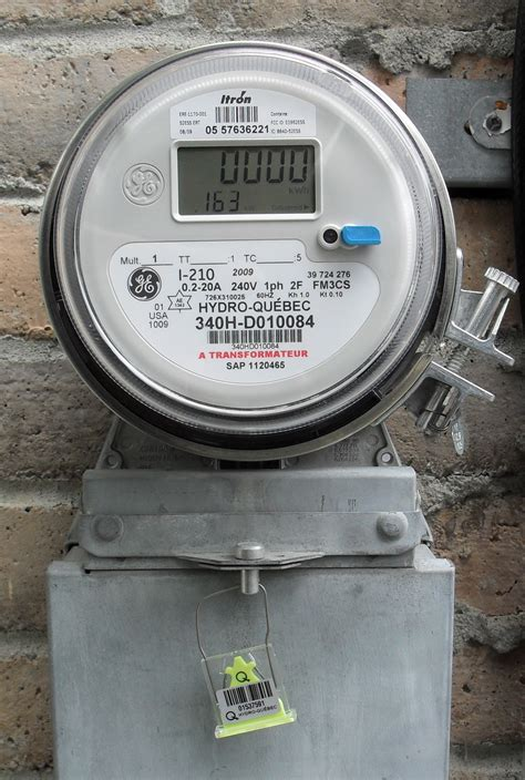 File:Hydro Quebec meter solid state.jpg - Wikipedia
