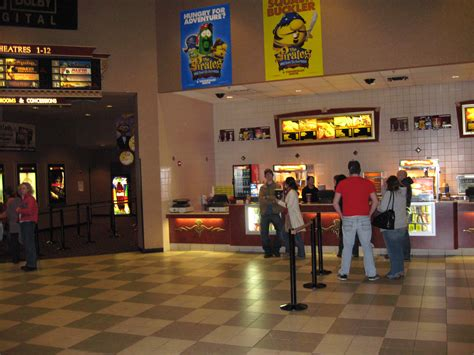 File:Cinemark2 at the hmapshire Mall.JPG - Wikimedia Commons