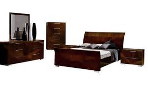 Mattress Furniture Warehouse by Capri Bedroom Suite United Furniture Outlets