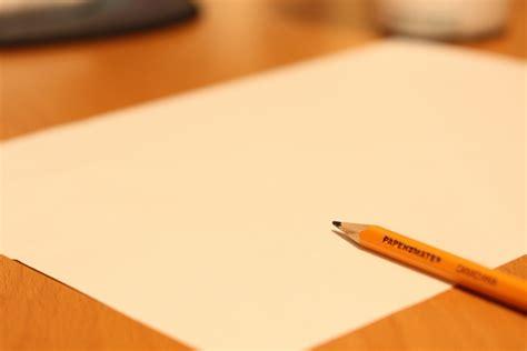 Surat ini biasanya diberikan beberapa hari sebelum atau pada saat hari. 4 Contoh Surat Izin Tidak Masuk Kerja Karena Sakit dan Lainnya Terbaru