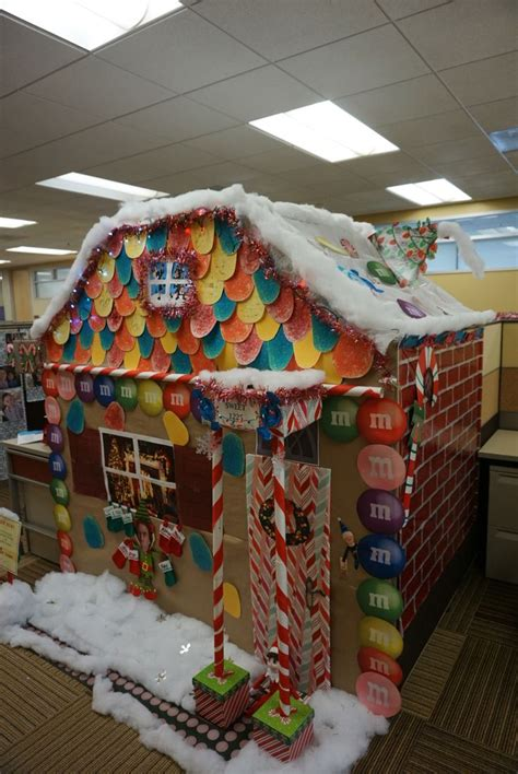 28 best cubicle decorating ideas for christmas 456