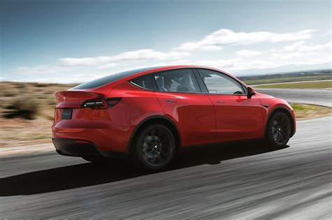 The price cut only affects the base models of the cars. Tesla Model 3 Vs. Tesla Model Y Price, Specs, and Range ...