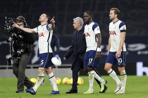 Determined Defense, Clinical Attack Highlight Spurs Player ...