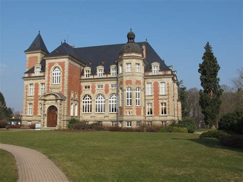 bureau center sarreguemines file sarreguemines chateau jpg wikimedia commons