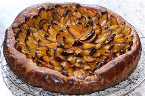 tarte brioch 233 e aux quetsches recette de tarte brioch 233 e aux