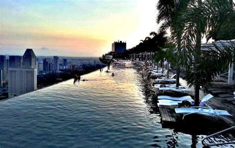 incredible rooftop pool  singapore